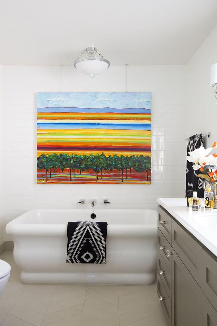 Bất kể lớn bé thế nào thì một căn phòng tắm với thiết kế bồn tắm luôn là tuyệt vời nhất - Ảnh 10.
