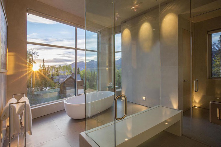 Bất kể lớn bé thế nào thì một căn phòng tắm với thiết kế bồn tắm luôn là tuyệt vời nhất - Ảnh 11.