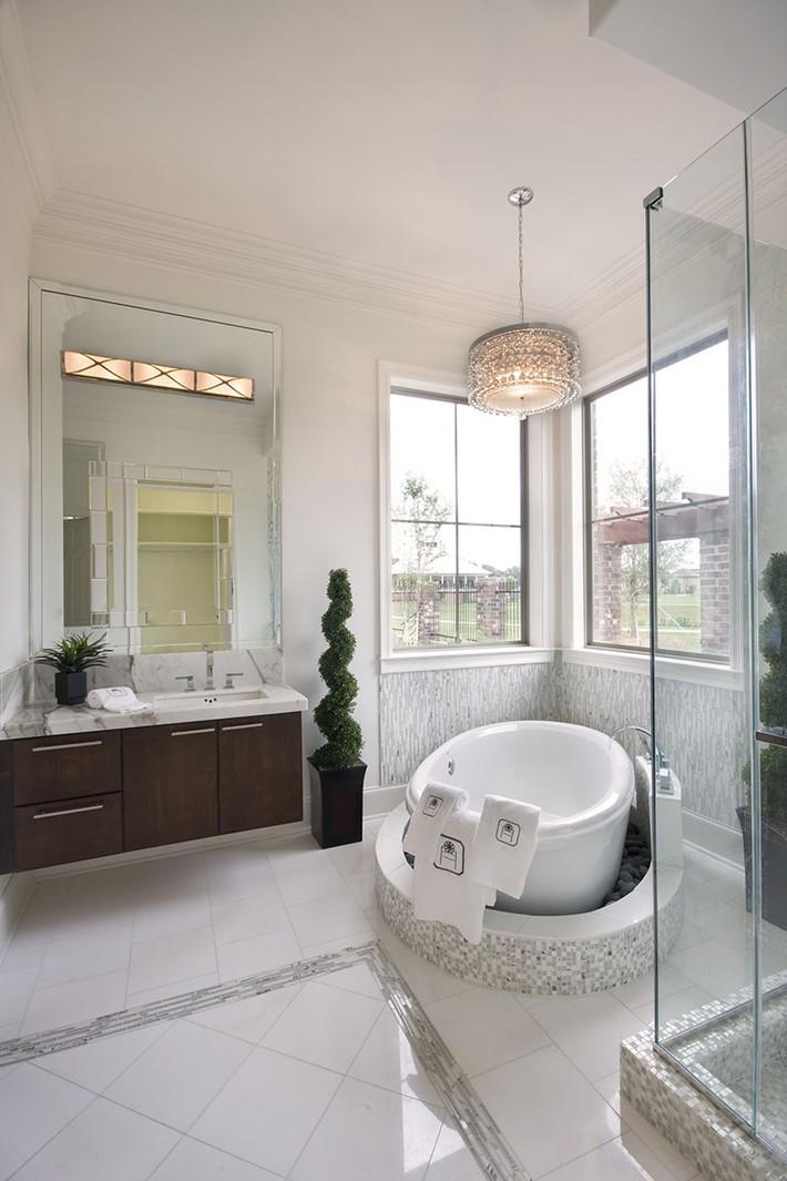 Bất kể lớn bé thế nào thì một căn phòng tắm với thiết kế bồn tắm luôn là tuyệt vời nhất - Ảnh 12.