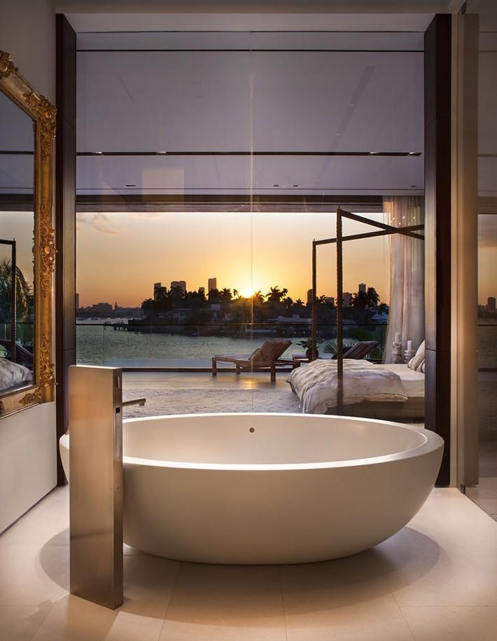 Bất kể lớn bé thế nào thì một căn phòng tắm với thiết kế bồn tắm luôn là tuyệt vời nhất - Ảnh 7.