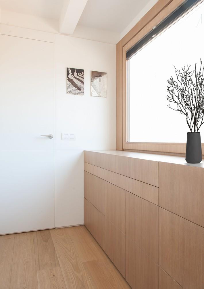 Nhà nhỏ nhưng không bí bách nhờ những món đồ nội thất đa chức năng   - Ảnh 2.