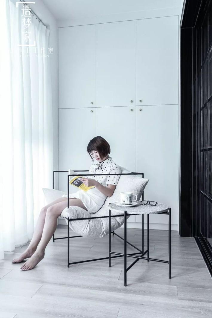 Cô gái sống vui vẻ trong căn hộ 90m2 nhờ vẻ đẹp đơn giản và tươi mới trong cách kết hợp màu sắc - Ảnh 15.