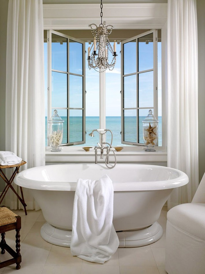 Nâng tầm vẻ đẹp của căn phòng tắm gia đình với thiết kế đèn chùm rực rỡ - Ảnh 9.