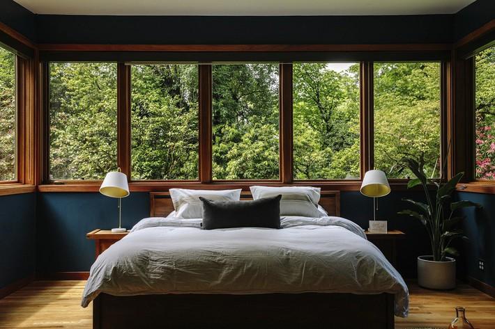 Ngôi nhà có lịch sử lâu đời từ thời hậu chiến Mỹ lại gây thương nhớ nhờ bối cảnh tự nhiên đẹp xuất sắc - Ảnh 2.