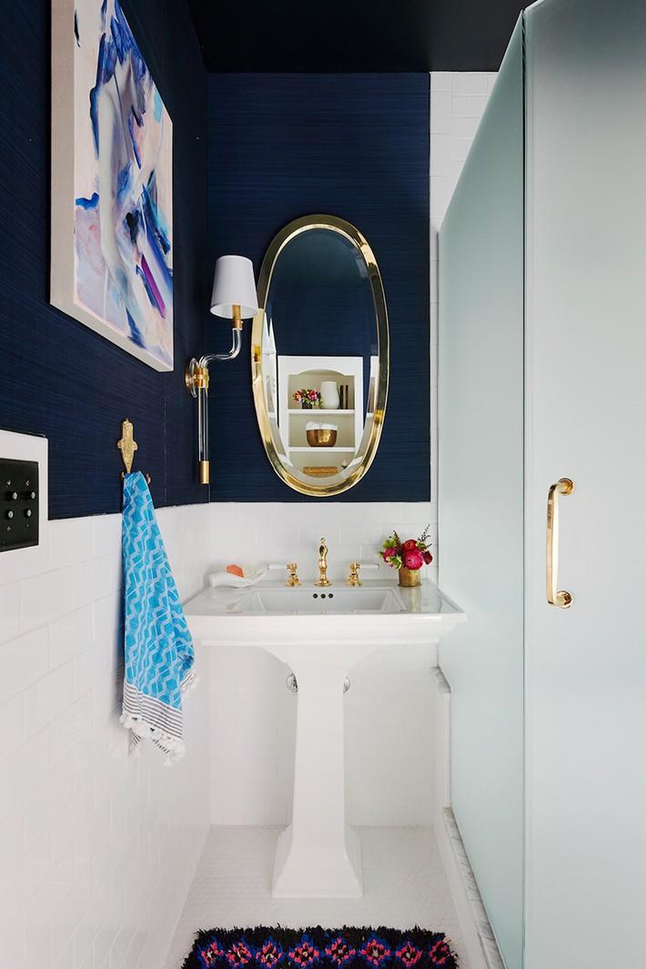 Đâu chỉ phòng khách, phòng ngủ mà phòng tắm cũng cần có một bức tranh treo tường - Ảnh 14.