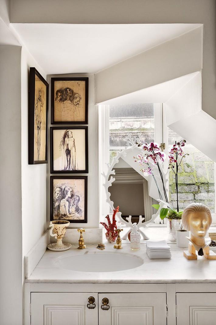 Đâu chỉ phòng khách, phòng ngủ mà phòng tắm cũng cần có một bức tranh treo tường - Ảnh 5.