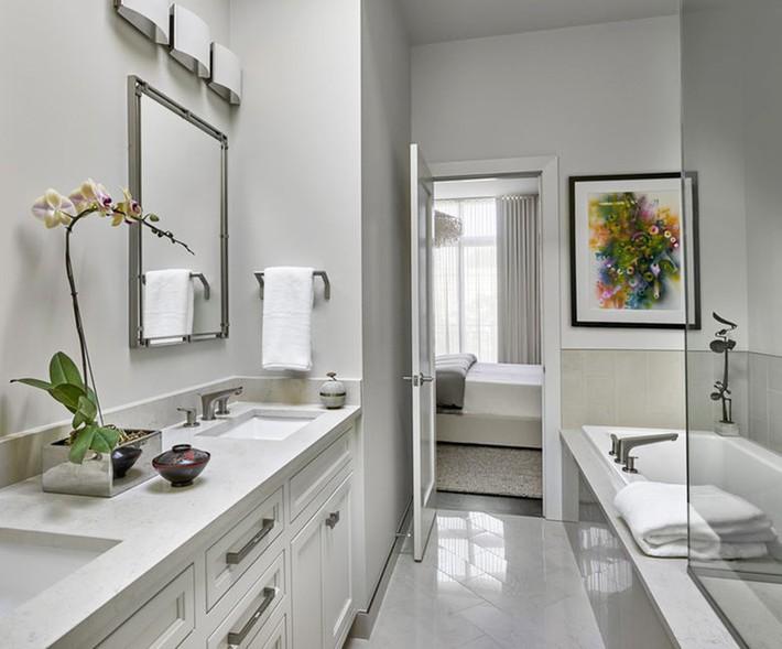Đâu chỉ phòng khách, phòng ngủ mà phòng tắm cũng cần có một bức tranh treo tường - Ảnh 9.