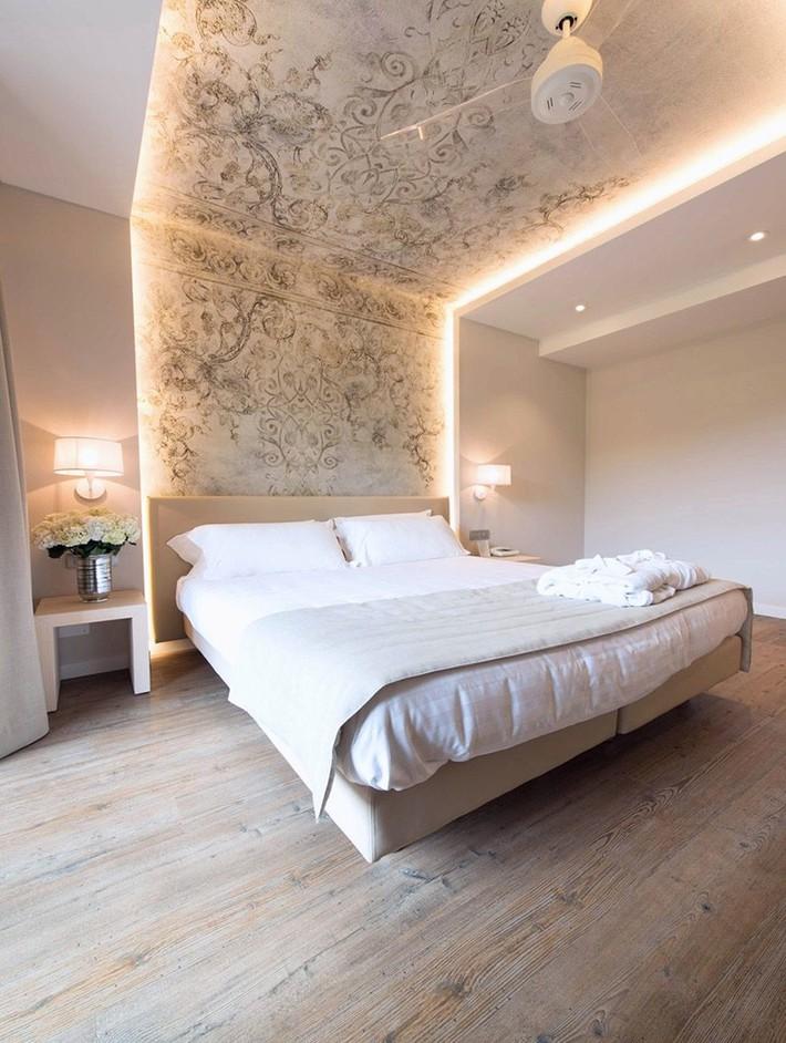 Có sự hỗ trợ của đèn led thì bộ giường ngủ đơn điệu của gia đình cũng trở nên thu hút đến bất ngờ - Ảnh 5.