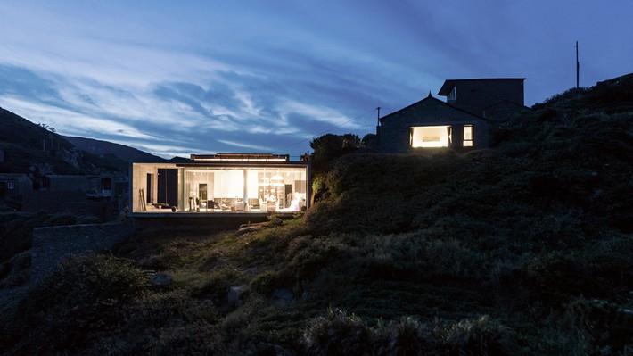 Sau mọi bộn bề lo toàn, được ở trong ngôi nhà nhỏ trên núi này là điều khiến bao người mơ ước - Ảnh 2.