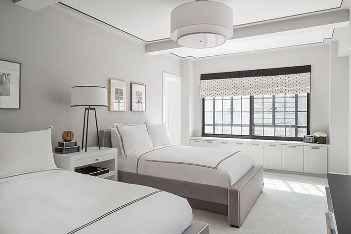 Nhẹ nhàng, đơn giản là thế nhưng một phòng ngủ đơn sắc trắng vẫn là niềm yêu thích của biết bao chị em - Ảnh 15.