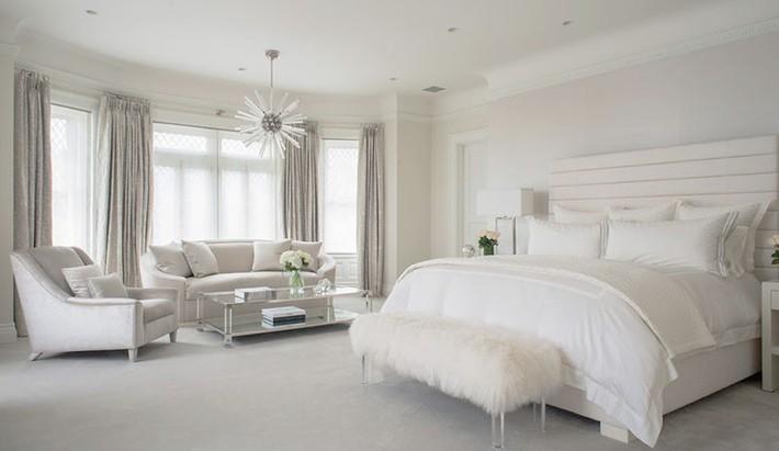 Nhẹ nhàng, đơn giản là thế nhưng một phòng ngủ đơn sắc trắng vẫn là niềm yêu thích của biết bao chị em - Ảnh 4.
