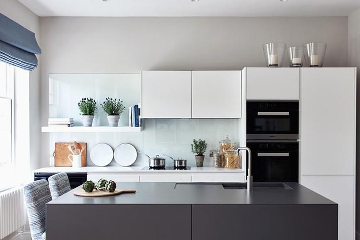 Tuyệt vời làm sao khi bạn có thể trang trí căn bếp gia đình từ chính những đồ dùng, dụng cụ nhà bếp - Ảnh 3.
