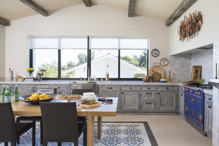 Tuyệt vời làm sao khi bạn có thể trang trí căn bếp gia đình từ chính những đồ dùng, dụng cụ nhà bếp - Ảnh 5.