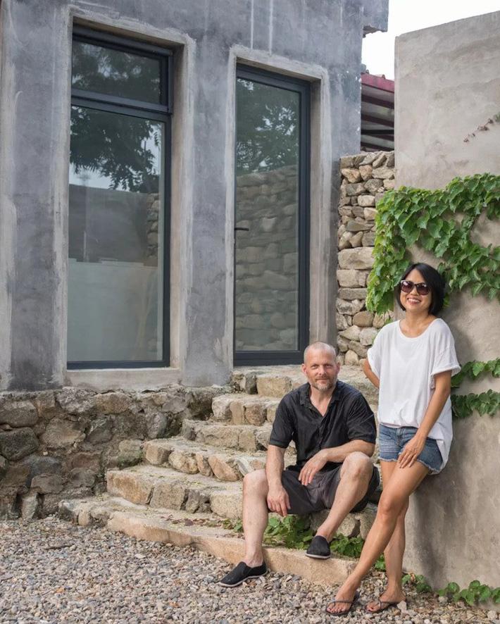 Mất 6 năm công sức, đôi vợ chồng trung niên đã cải tạo thành công căn nhà cấp 4 cũ kỹ thành không gian sống thân thiện yên bình - Ảnh 1.