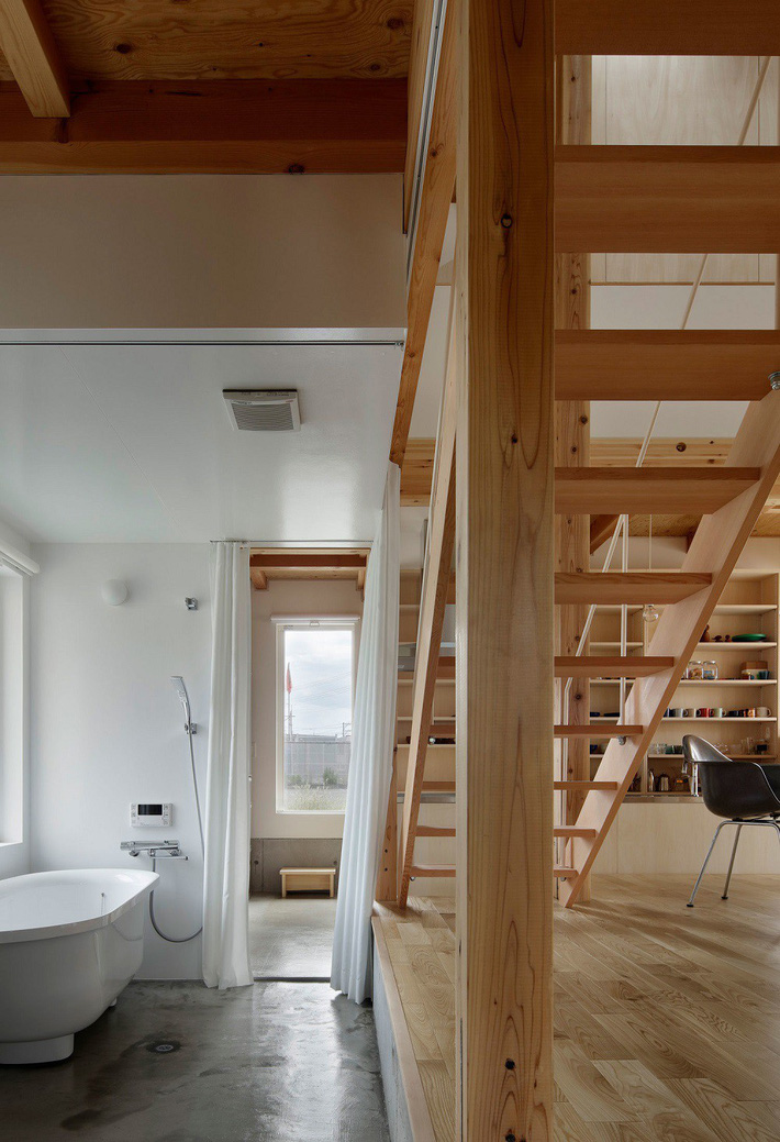 Ngôi nhà có mặt tiền 4 hình chữ nhật gây choáng vì cấu trúc gỗ đẹp tinh xảo bên trong - Ảnh 6.
