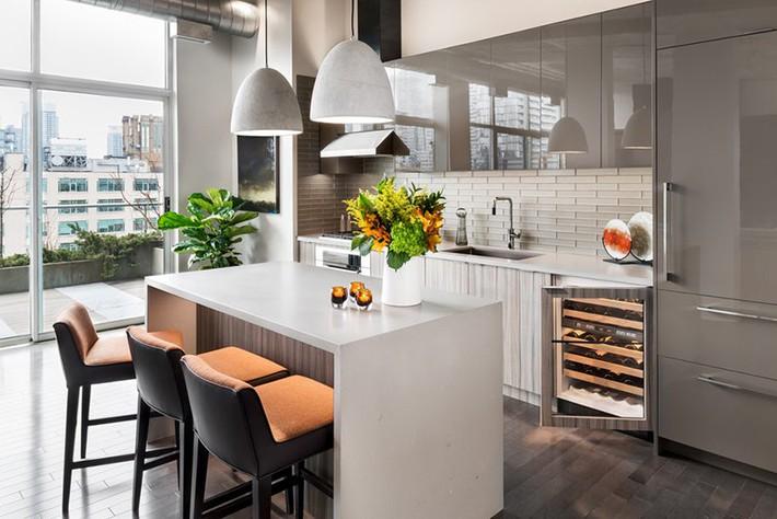 Có lẽ chính bạn cũng chẳng thể ngờ đến những căn bếp màu xám lại có thể đẹp đến vậy - Ảnh 1.