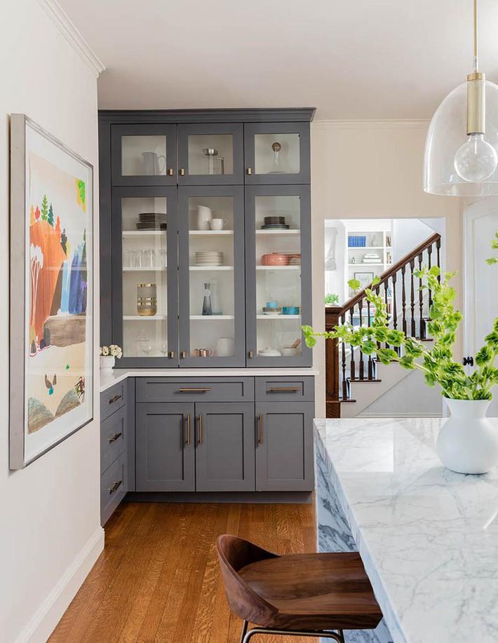 Có lẽ chính bạn cũng chẳng thể ngờ đến những căn bếp màu xám lại có thể đẹp đến vậy - Ảnh 8.