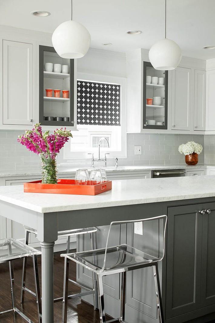 Có lẽ chính bạn cũng chẳng thể ngờ đến những căn bếp màu xám lại có thể đẹp đến vậy - Ảnh 11.