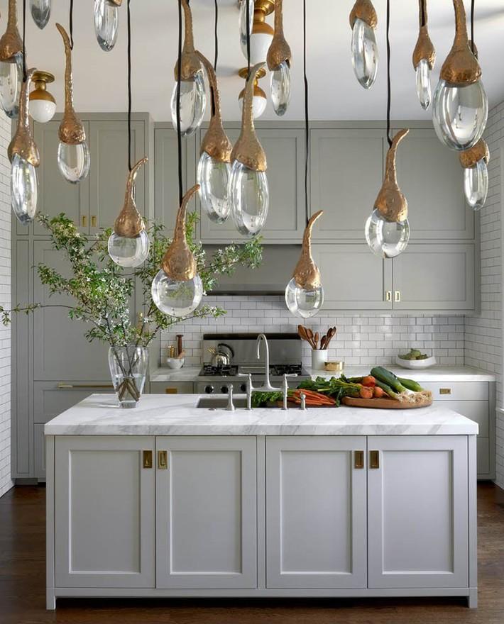 Có lẽ chính bạn cũng chẳng thể ngờ đến những căn bếp màu xám lại có thể đẹp đến vậy - Ảnh 12.