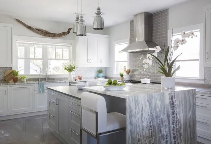 Có lẽ chính bạn cũng chẳng thể ngờ đến những căn bếp màu xám lại có thể đẹp đến vậy - Ảnh 3.