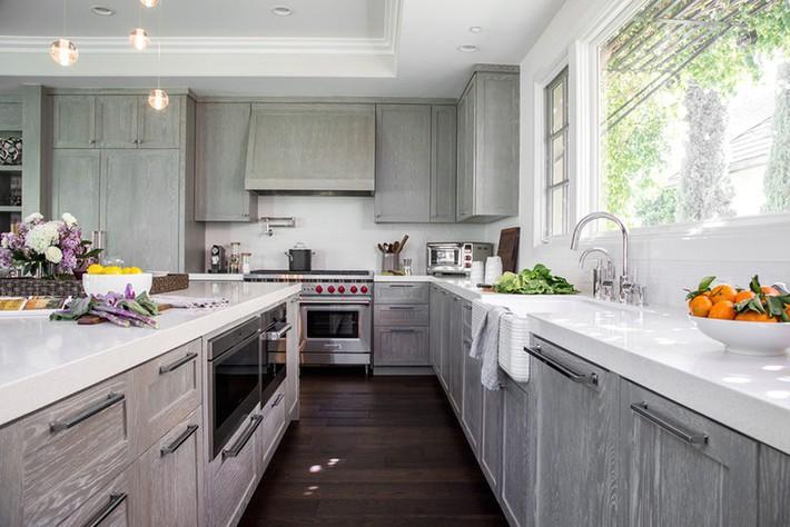 Có lẽ chính bạn cũng chẳng thể ngờ đến những căn bếp màu xám lại có thể đẹp đến vậy - Ảnh 7.