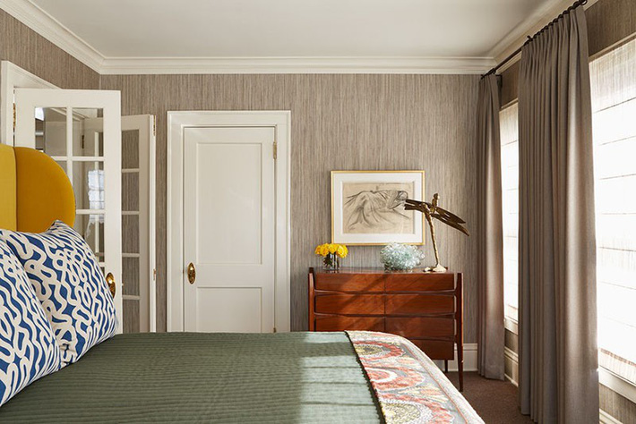 Đã mắt nhìn ngắm những căn phòng ngủ đẹp mơ màng với thiết kế cửa kiểu Pháp - Ảnh 9.