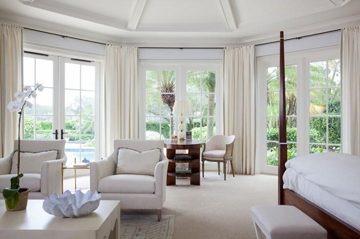 Đã mắt nhìn ngắm những căn phòng ngủ đẹp mơ màng với thiết kế cửa kiểu Pháp - Ảnh 10.