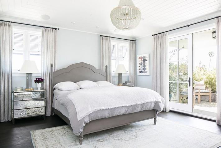 Đã mắt nhìn ngắm những căn phòng ngủ đẹp mơ màng với thiết kế cửa kiểu Pháp - Ảnh 17.