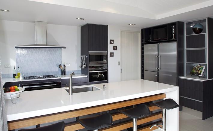 Bạn sẽ nhẹ gánh hơn rất nhiều trong việc làm sạch nhà bếp nếu áp dụng những cách sau - Ảnh 9.