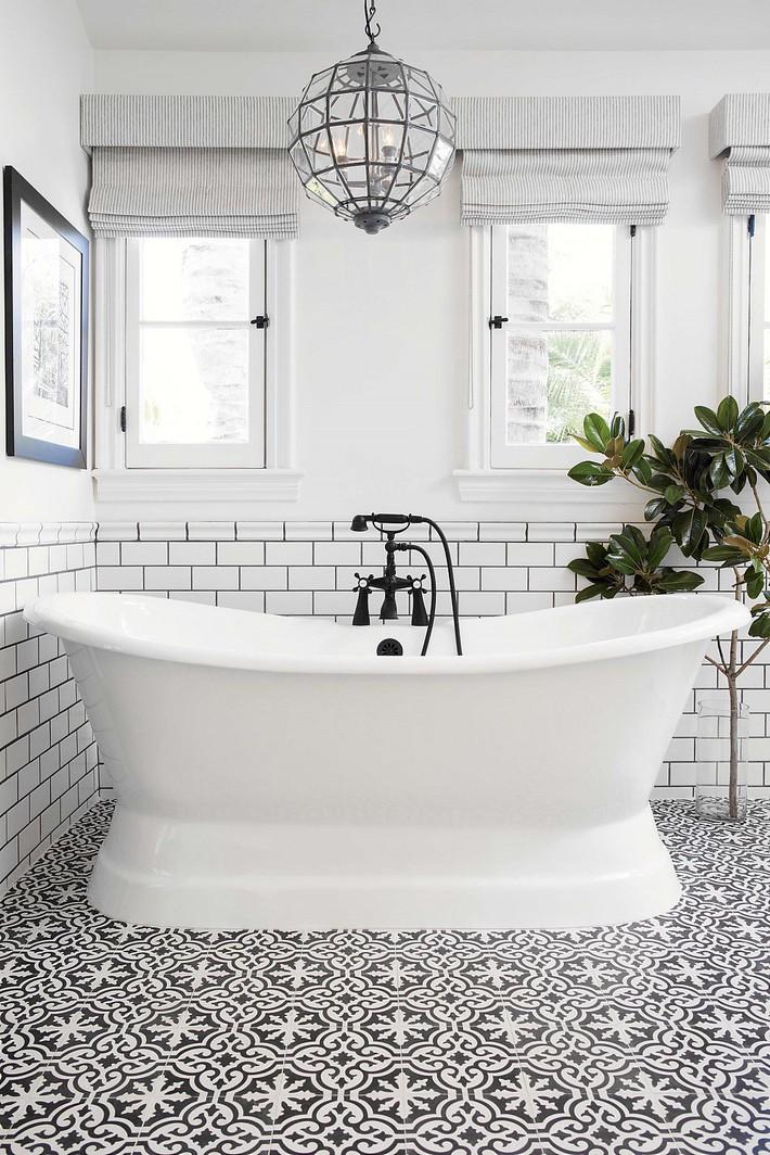 Cận cảnh 3 thiết kế phòng tắm được hồi sinh theo phong cách Tây Ban Nha thập niên 1930 nhờ các vật liệu công nghiệp - Ảnh 2.