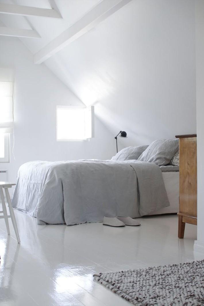 2 cách thiết kế thông minh và hữu ích cho không gian phòng ngủ gác mái mà bạn cần phải biết  - Ảnh 11.