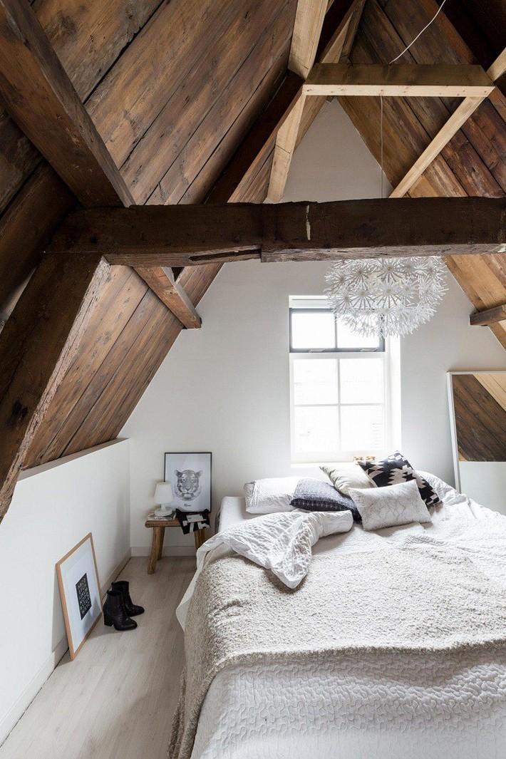 2 cách thiết kế thông minh và hữu ích cho không gian phòng ngủ gác mái mà bạn cần phải biết  - Ảnh 13.