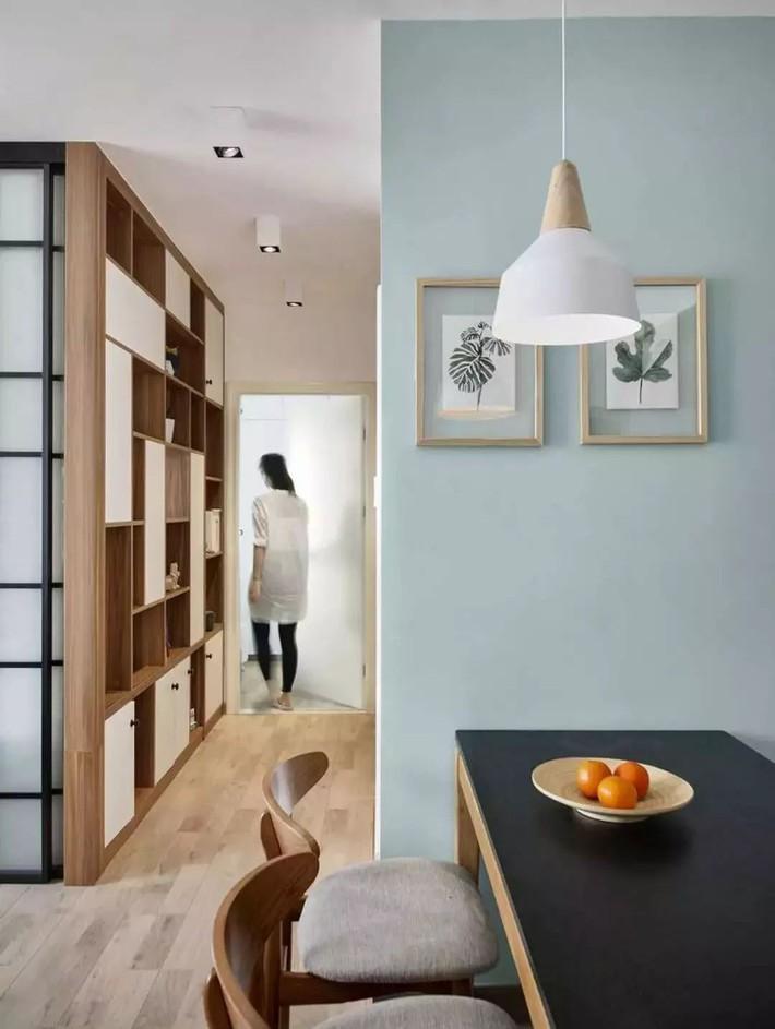 Cặp vợ chồng trẻ cải tạo căn hộ 54m² từ chật hẹp thành không gian vô cùng rộng rãi nhờ khéo thiết kế khu vực lưu trữ - Ảnh 10.