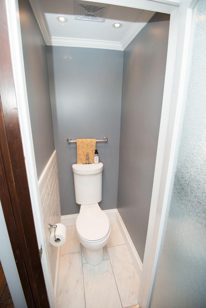 Gợi ý các thiết kế bồn cầu ăn gian diện tích cho những người sở hữu một căn phòng tắm chật hẹp - Ảnh 5.