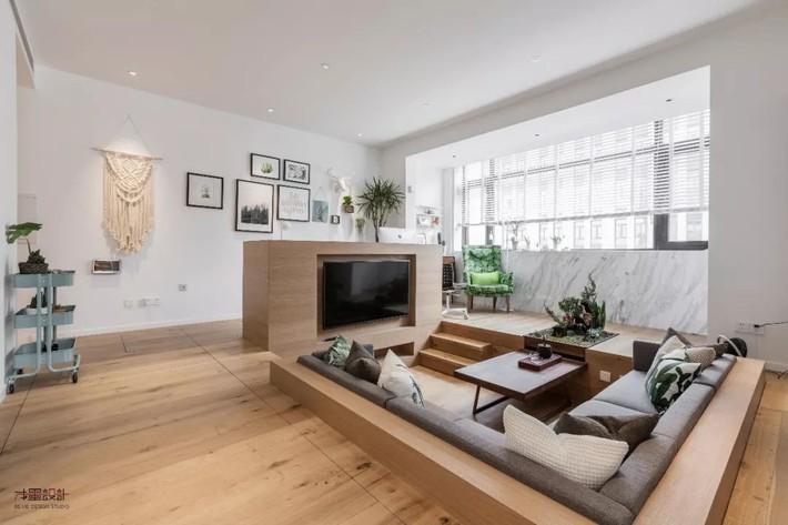 Choáng toàn tập với ngôi nhà sở hữu phòng khách chìm và không gian lưu trữ rộng lớn ẩn dưới mặt sàn bằng gỗ - Ảnh 5.