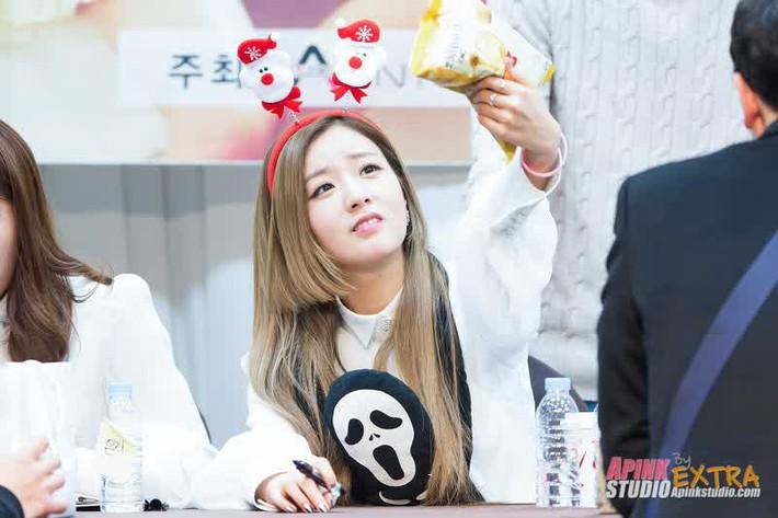 Idol Hàn diện kiểu tóc Hime: từ Irene đến Momo đều xinh xuất thần nhưng lại có 1 người khiến dân tình ngứa mắt - Ảnh 5.