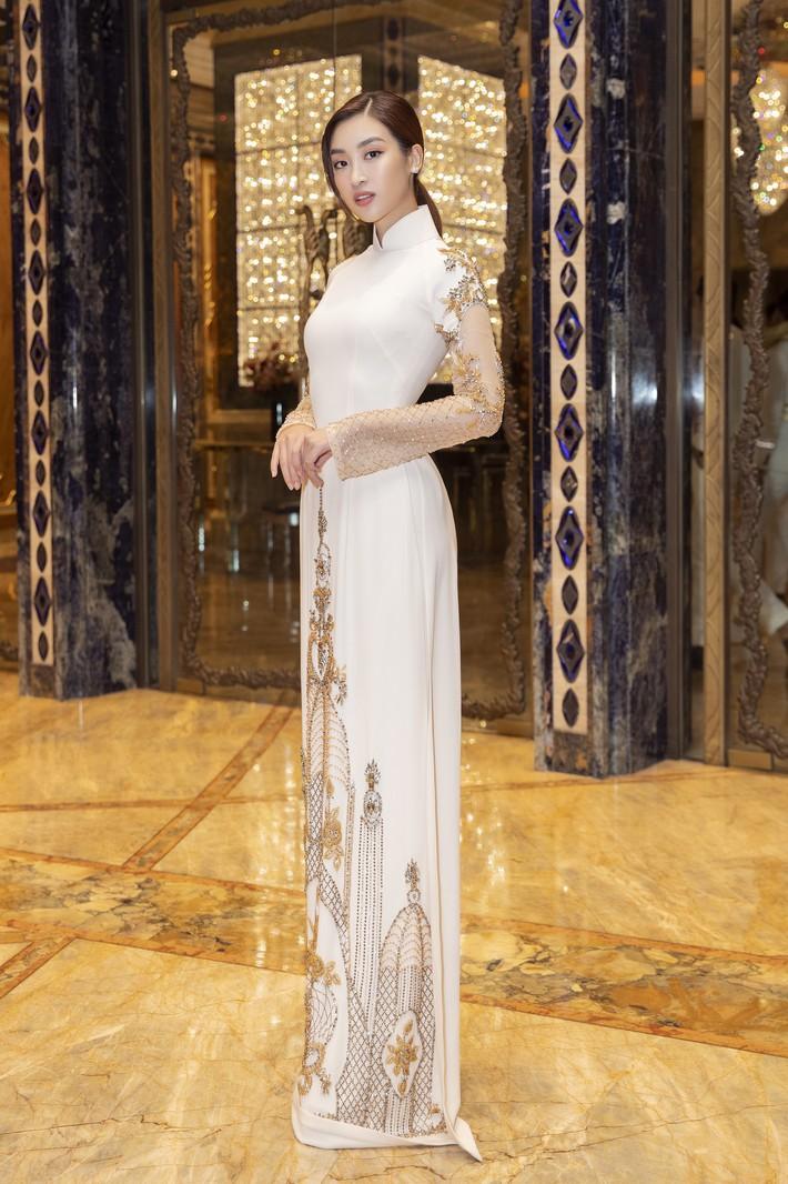Ngập sắc vàng kim cả một thảm đỏ: Lan Ngọc đài các đúng kiểu Crazy Rich Asian, Nhã Phương long lanh tựa nữ thần - Ảnh 5.
