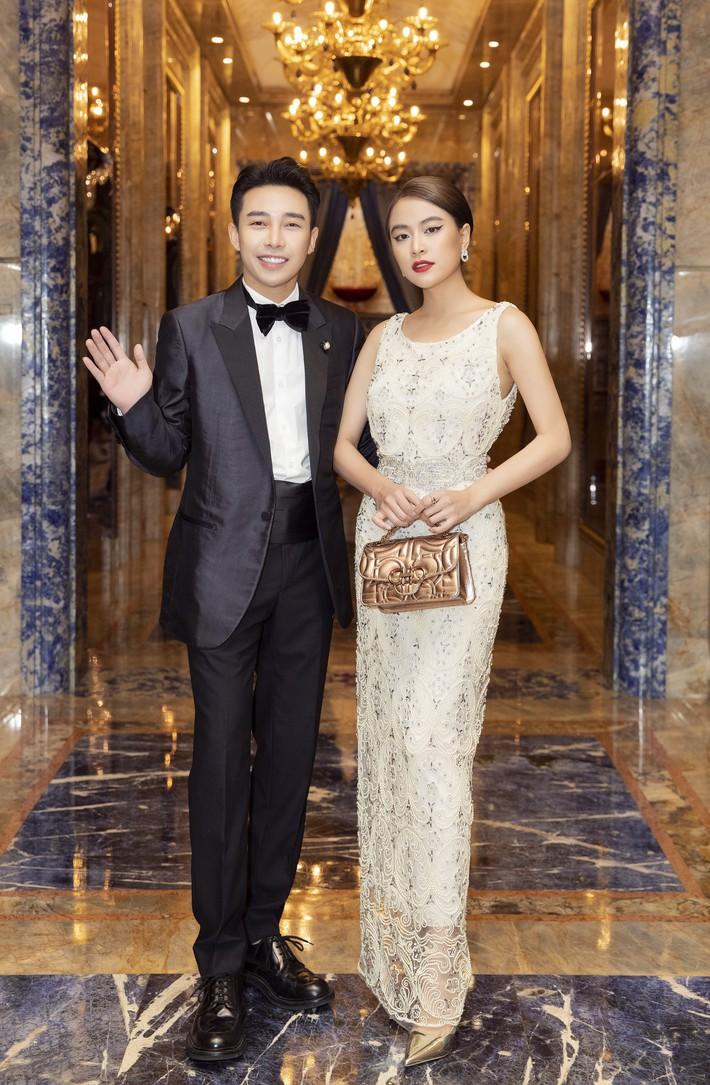 Ngập sắc vàng kim cả một thảm đỏ: Lan Ngọc đài các đúng kiểu Crazy Rich Asian, Nhã Phương long lanh tựa nữ thần - Ảnh 16.
