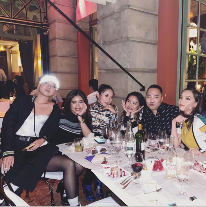Màn hội ngộ hiếm hoi giữa rich kid Thảo Tiên và Nga Nguyễn tại show Louis Vuitton; Châu Bùi, Khánh Linh cũng vô cùng xuất sắc - Ảnh 1.