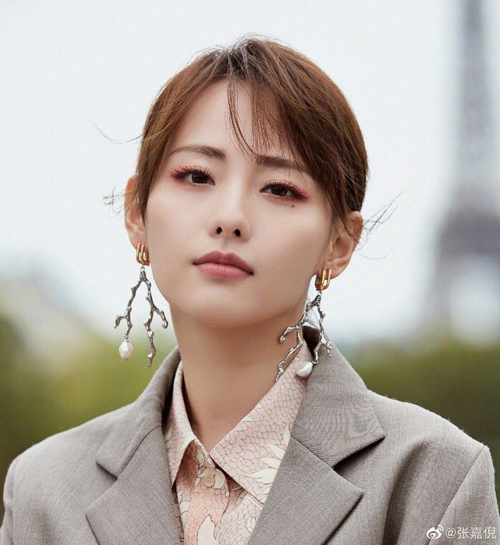 11 beauty look đỉnh nhất của dàn mỹ nhân châu Á mùa fashion week này: ngắm xong phải mất ngủ vì quá đẹp - Ảnh 3.