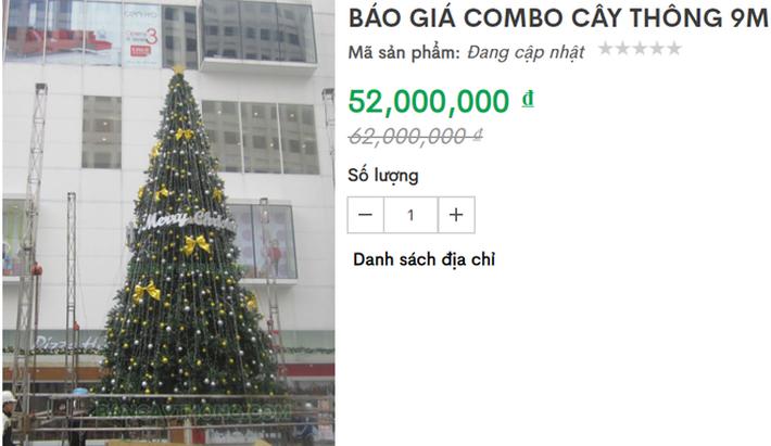 Cận Giáng sinh, cây thông Noel khổng lồ hét giá 120 triệu đồng - Ảnh 2.