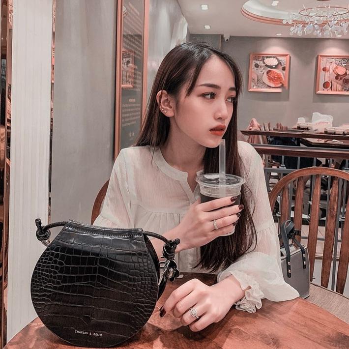 Nhà có điều kiện là thế nhưng ái nữ của đại gia Minh Nhựa vẫn dùng sản phẩm dưỡng da 300k, makeup đơn giản hết mức - Ảnh 5.