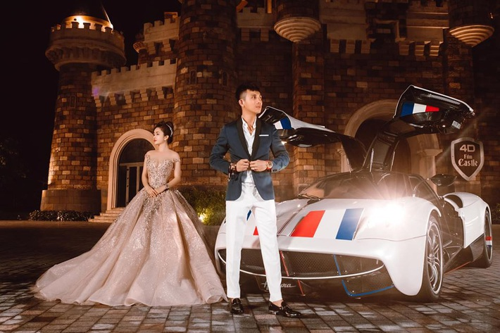 Lên đồ đi du lịch như nhà đại gia Minh Nhựa: Vợ Mina Phạm thay 7749 bộ, chồng chỉ copy & paste nguyên một style - Ảnh 10.