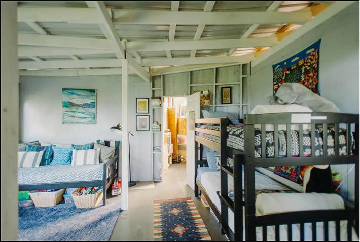 Ngôi nhà Hawaii mộc mạc gây thương nhớ vì được xây dựng bằng tay với các đồ nội thất thủ công đẹp tinh tế - Ảnh 8.