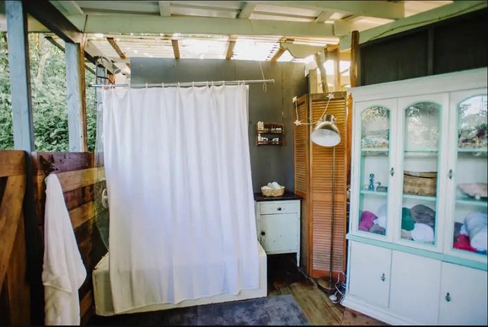 Ngôi nhà Hawaii mộc mạc gây thương nhớ vì được xây dựng bằng tay với các đồ nội thất thủ công đẹp tinh tế - Ảnh 11.