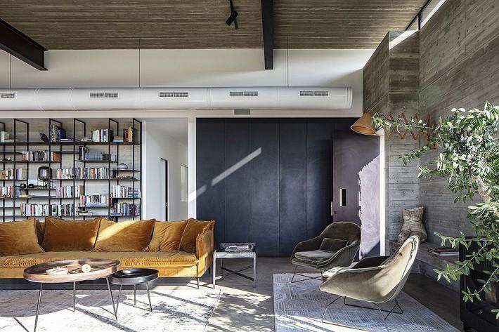 Ngắm ngôi nhà có nét thiết kế cởi mở và hiện đại nằm giữa cảnh quan đầy sự đối lập đến không tưởng - Ảnh 2.