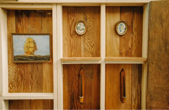 Ngôi nhà Hawaii mộc mạc gây thương nhớ vì được xây dựng bằng tay với các đồ nội thất thủ công đẹp tinh tế - Ảnh 3.