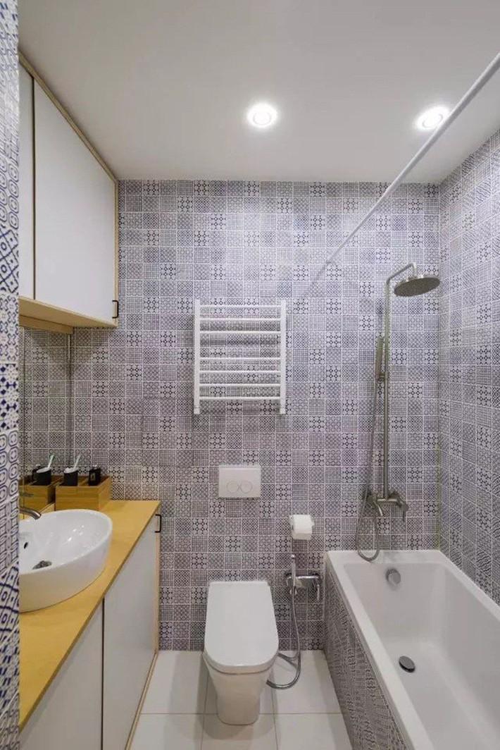Căn hộ chỉ 35m² nhưng đẹp nổi bật và ấn tượng với bồn tắm rộng rãi, sang chảnh của vợ chồng trẻ - Ảnh 16.