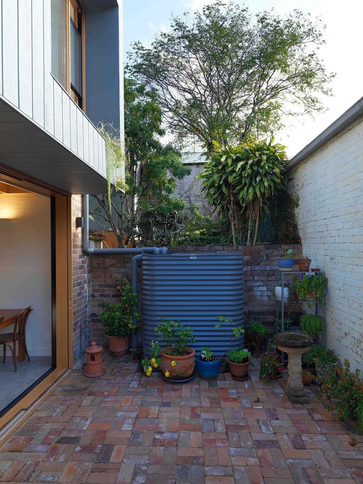 Một cuộc cách mạng mới xảy ra tại ngôi nhà ở Aussie: từ nhàm chán, tối tăm bỗng trở nên hiện đại, tinh tế - Ảnh 7.