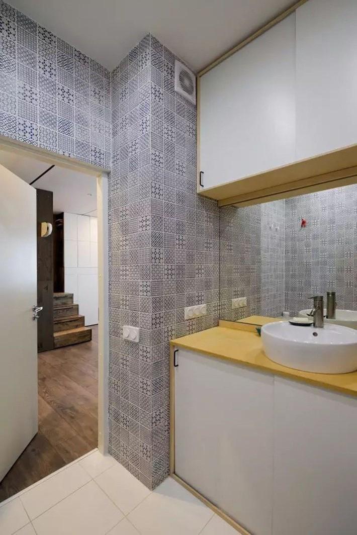 Căn hộ chỉ 35m² nhưng đẹp nổi bật và ấn tượng với bồn tắm rộng rãi, sang chảnh của vợ chồng trẻ - Ảnh 15.